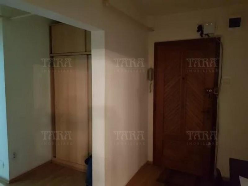 Apartament Cu 2 Camere Semicentral ID V747309 3