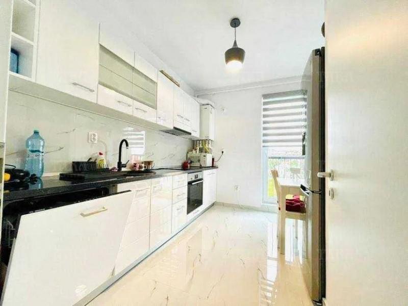 Apartament 3 camere, Andrei Muresanu