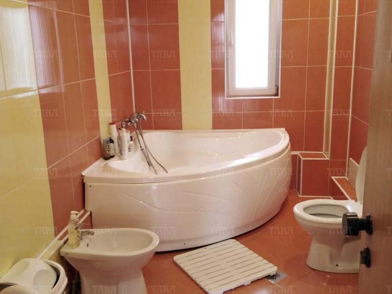 Casa Cu 7 Camere Dambul Rotund ID V750730 12
