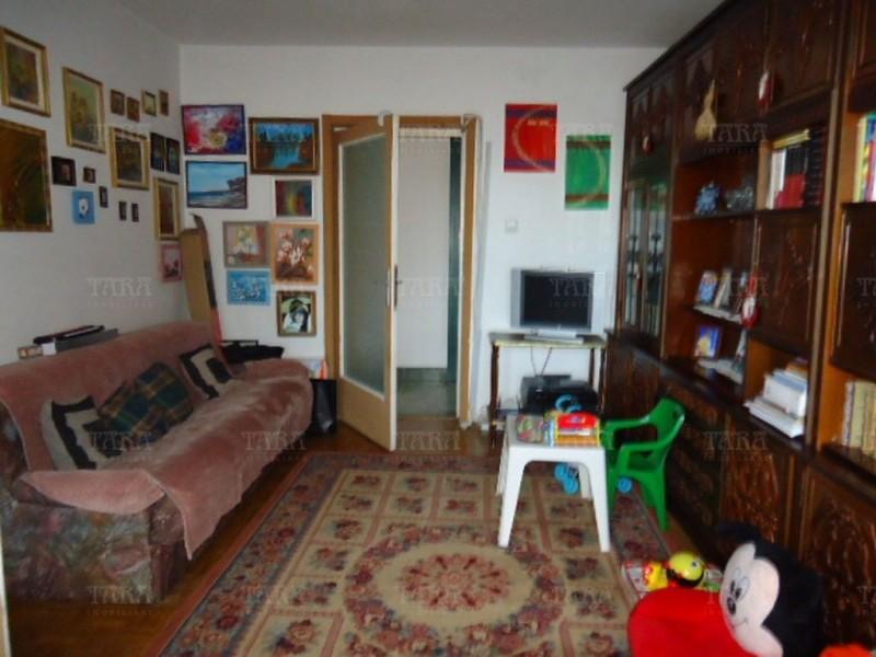 Apartament Cu 3 Camere Semicentral ID V366457 3