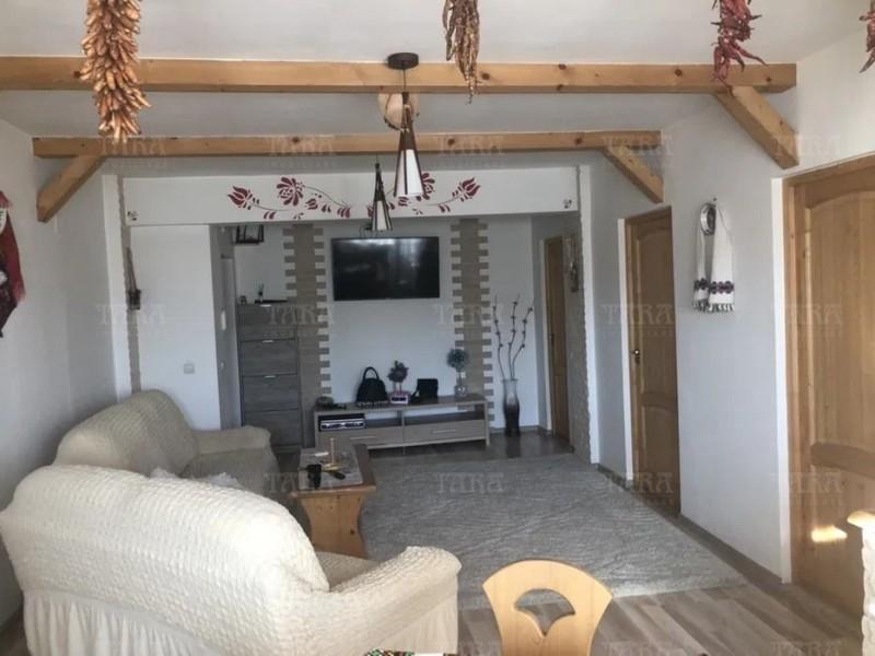 Apartament Cu 3 Camere Baciu ID V855809 3