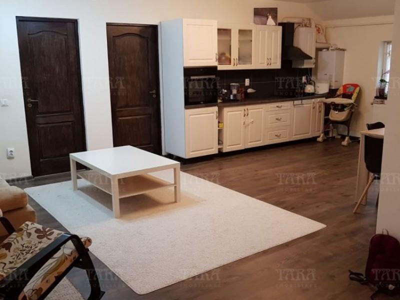 Apartament Cu 3 Camere Floresti ID V762115 2