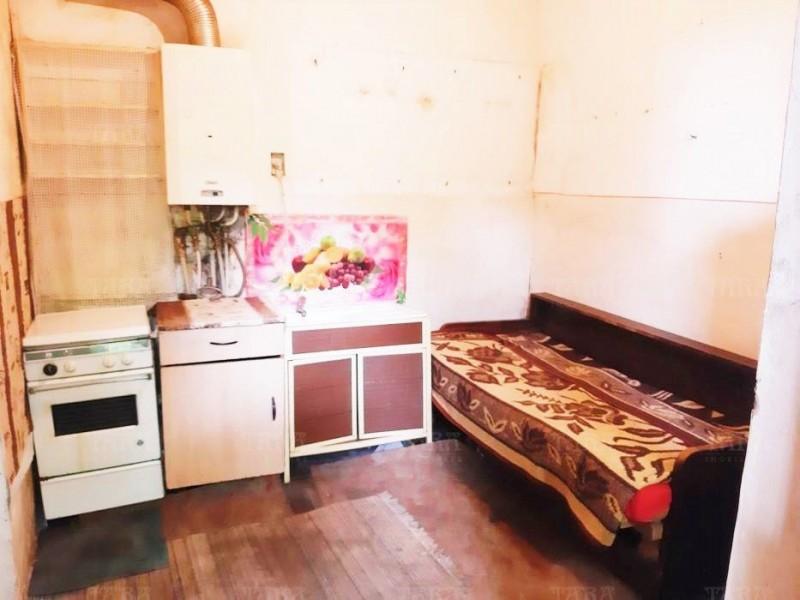 Casa cu 2 camere, Ultracentral