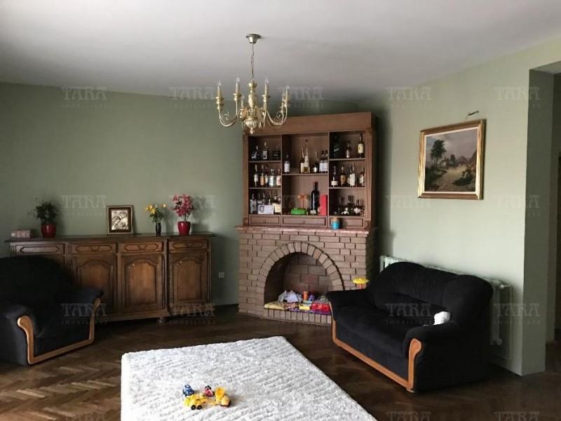 Casa 8 camere, Gruia