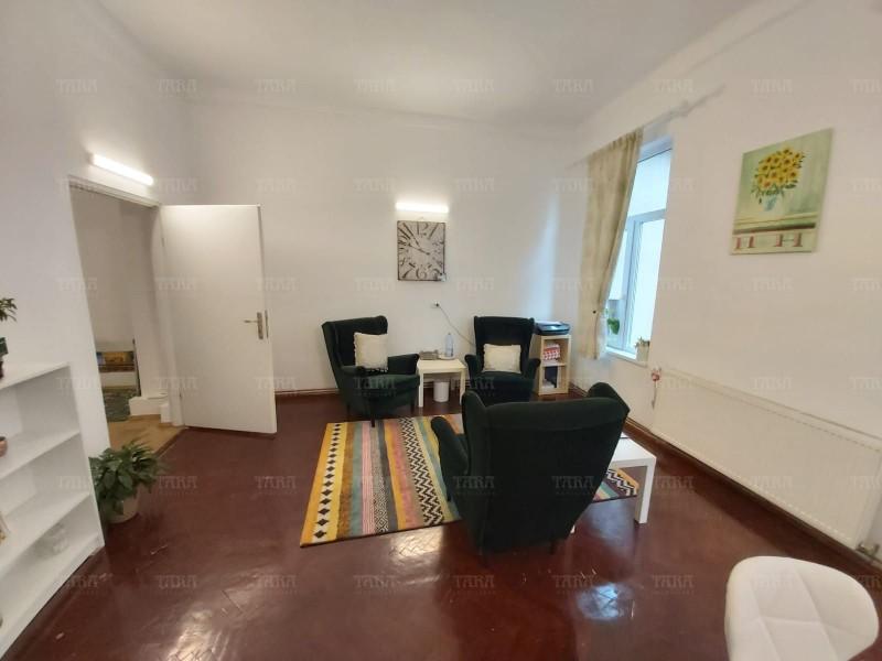 Apartament Cu 4 Camere Semicentral ID V889306 2