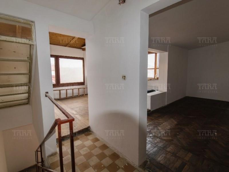 Casa Cu 4 Camere Semicentral ID V546626 4