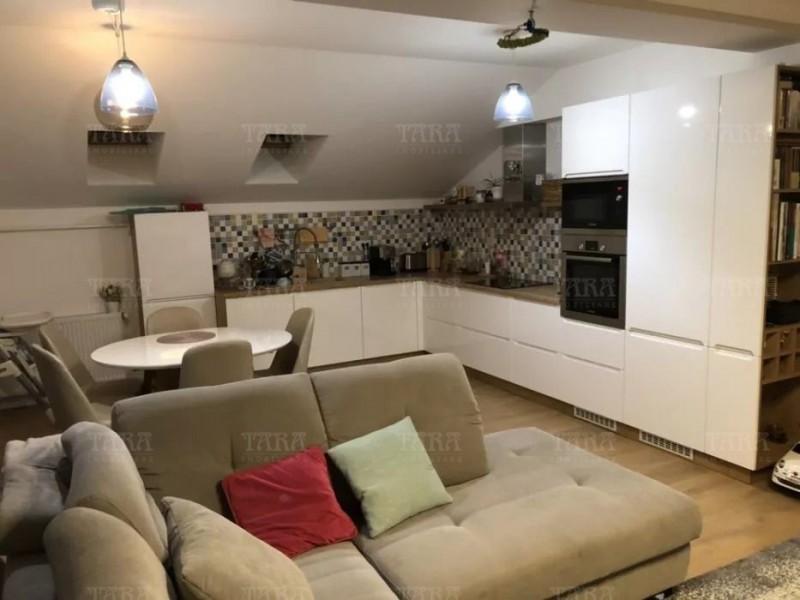 Apartament cu 4 camere, Floresti