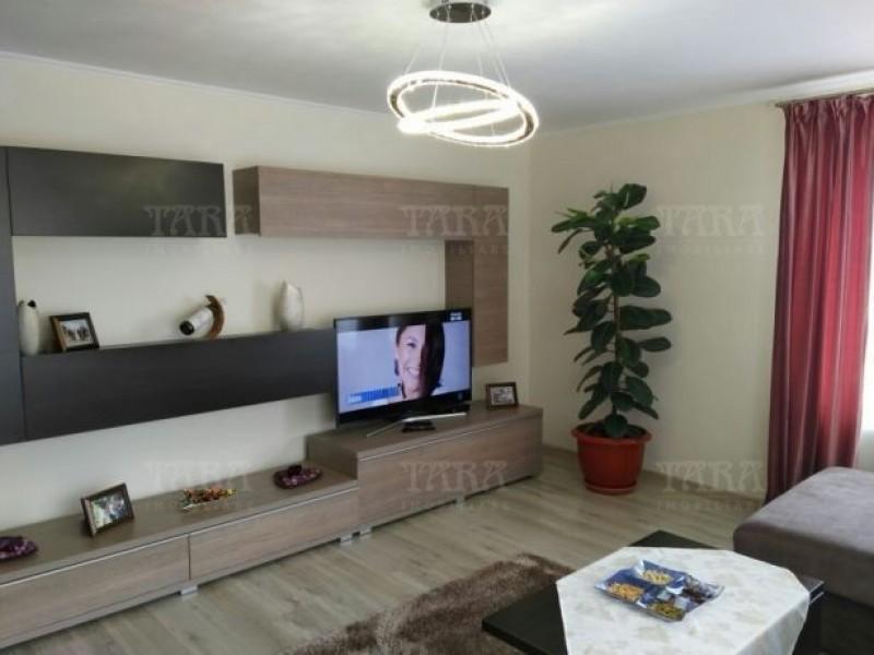 Apartament Cu 3 Camere Floresti ID V498035 3