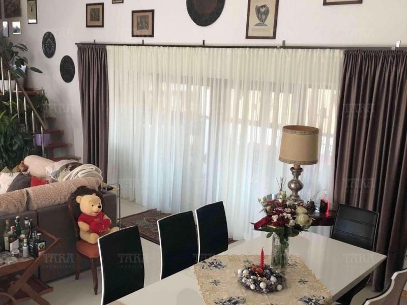 Casa 6 camere, Feleacu