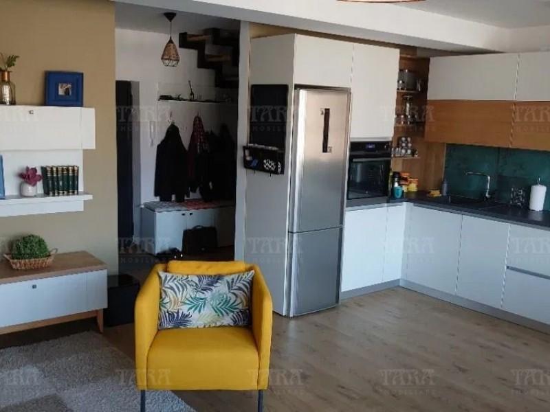 Apartament Cu 3 Camere Semicentral ID V935586 3