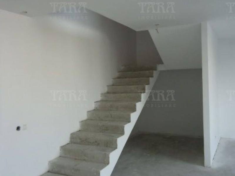 Apartament Cu 4 Camere Semicentral ID V7964 5