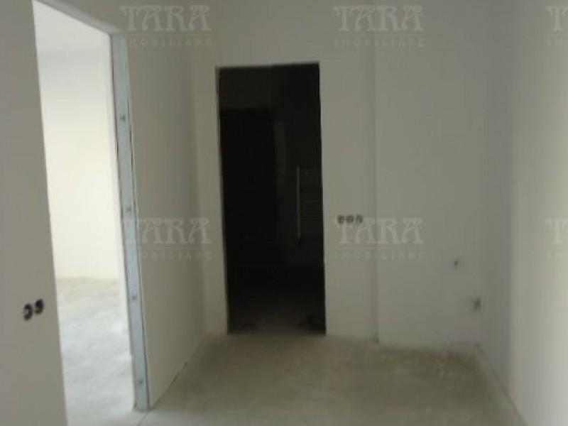 Apartament Cu 4 Camere Semicentral ID V7964 9