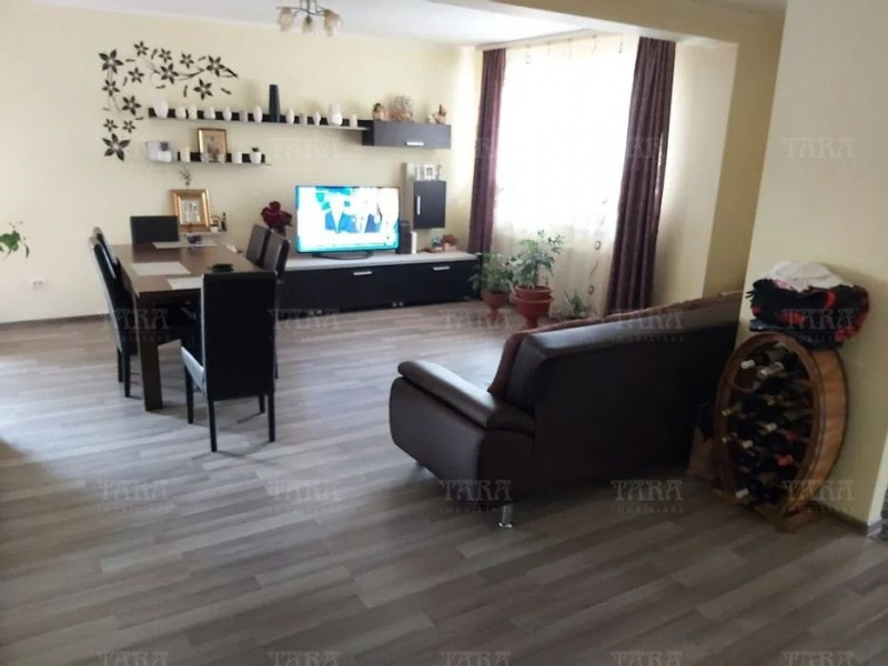 Casa Cu 4 Camere Floresti ID V1075124 2