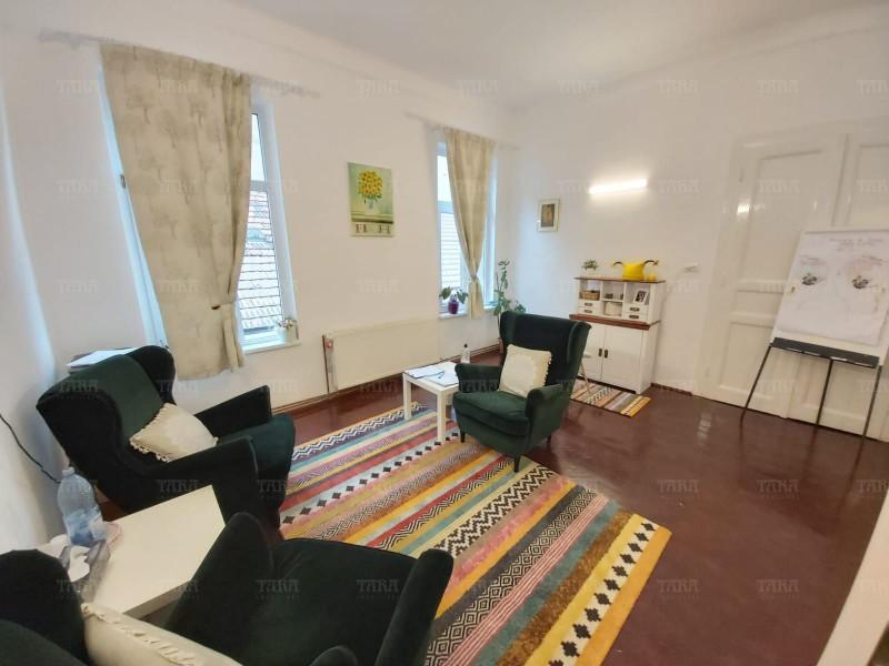 Apartament Cu 4 Camere Semicentral ID V889306 3