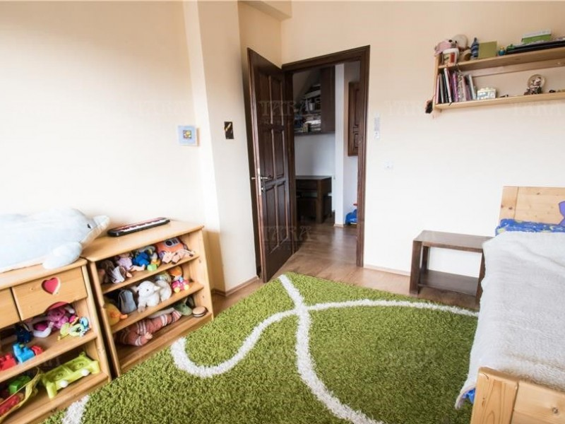 Apartament Cu 3 Camere Floresti ID V816330 2