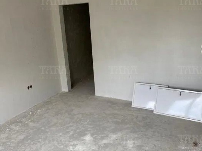 Casa 4 camere, Gruia