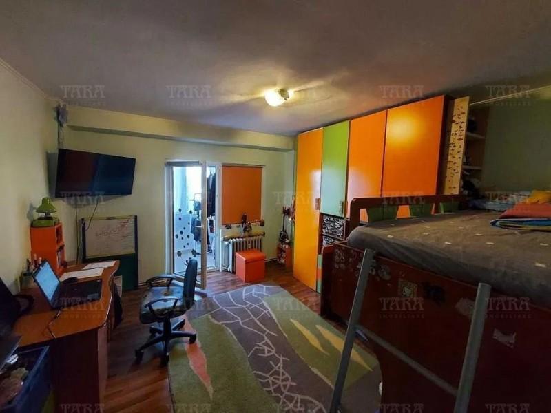 Apartament Cu 3 Camere Semicentral ID V1244828 2