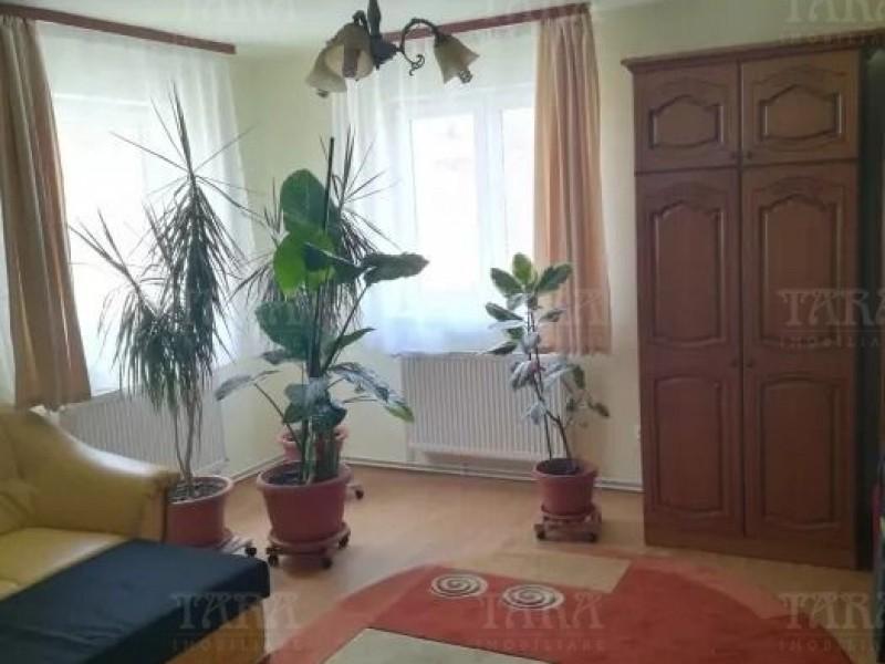 Casa Cu 6 Camere Iris ID V648084 3