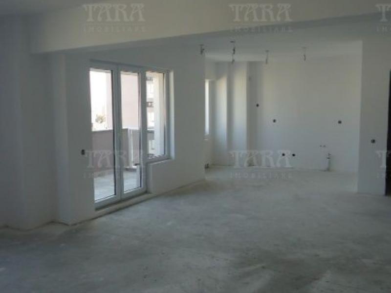 Apartament Cu 4 Camere Semicentral ID V7964 1