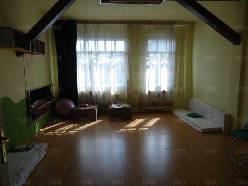 Casa cu 8 camere, Gruia