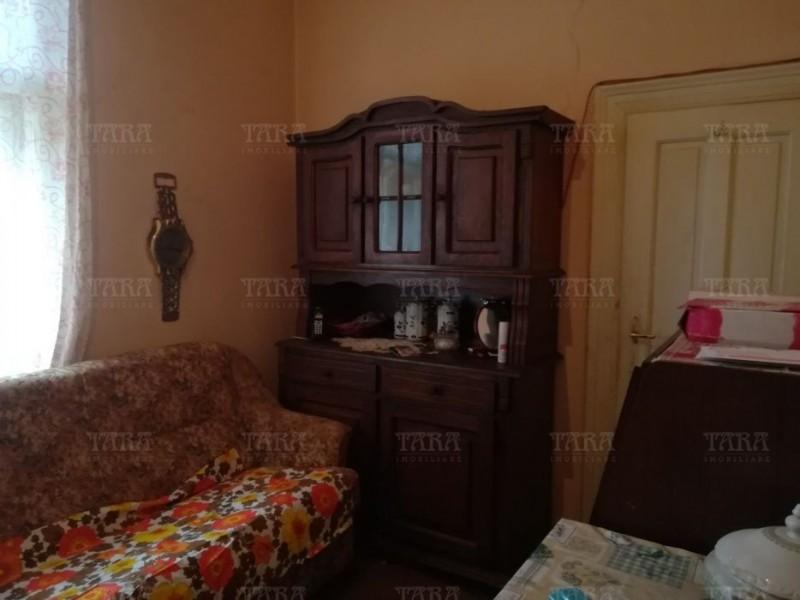 Casa Cu 2 Camere Semicentral ID V499140 2
