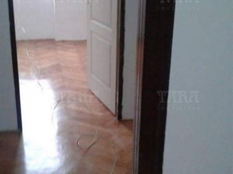 Apartament Cu 3 Camere Dambul Rotund ID V357735 2