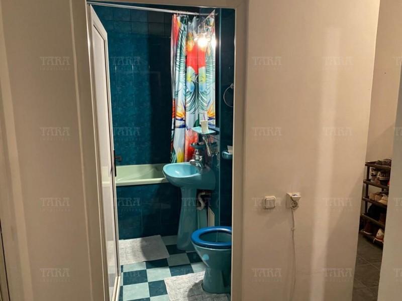 Apartament Cu 4 Camere Semicentral ID V1098019 19
