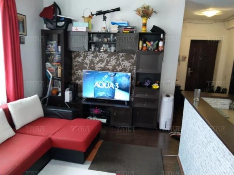Apartament Cu 3 Camere Floresti ID V746857 2