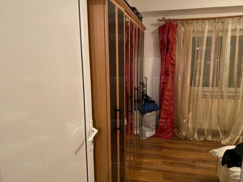 Apartament Cu 4 Camere Semicentral ID V1098019 3