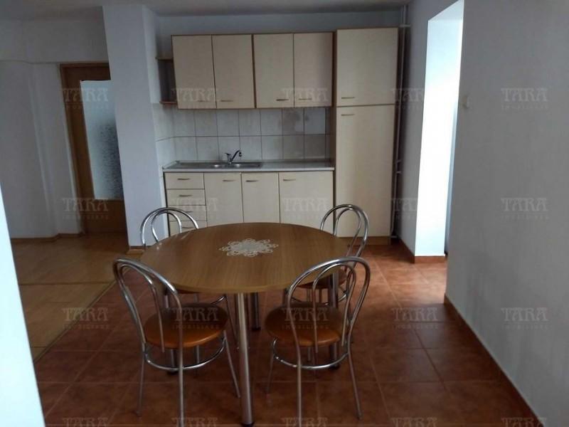 Apartament 4 camere, Semicentral