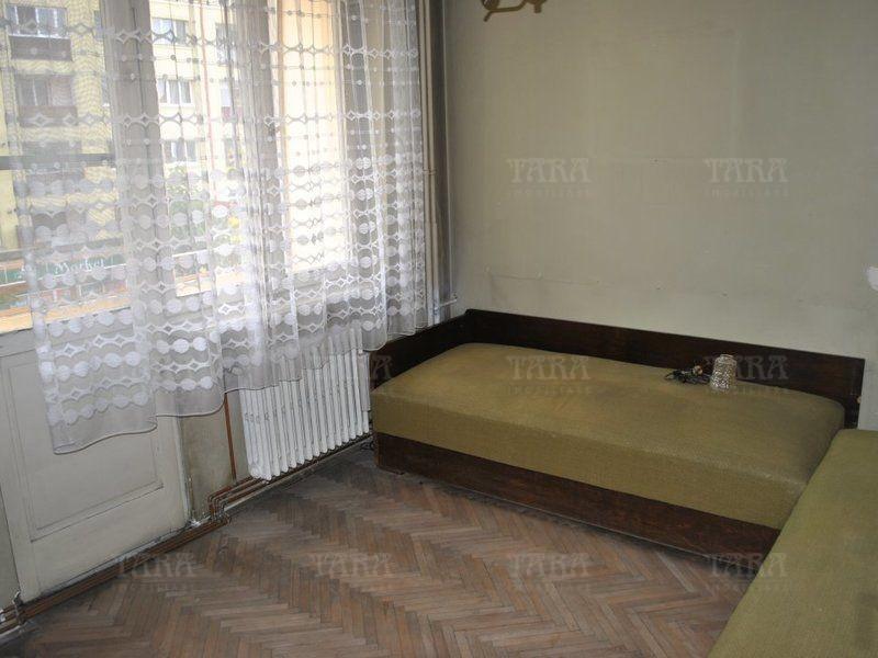 Apartament Cu 3 Camere Semicentral ID V809132 2