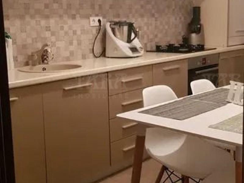 Apartament Cu 3 Camere Floresti ID V982156 2