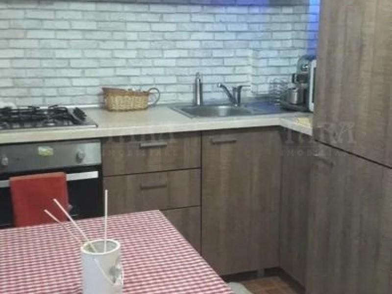 Garsoniera 32mp, Marasti