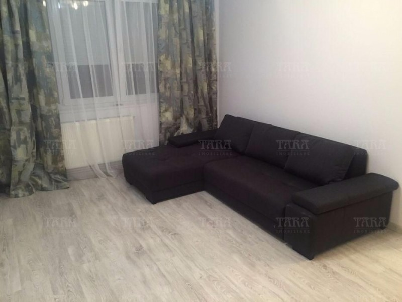 Apartament cu 3 camere, Semicentral