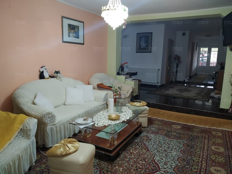 Casa Cu 5 Camere Dambul Rotund ID V257540 2