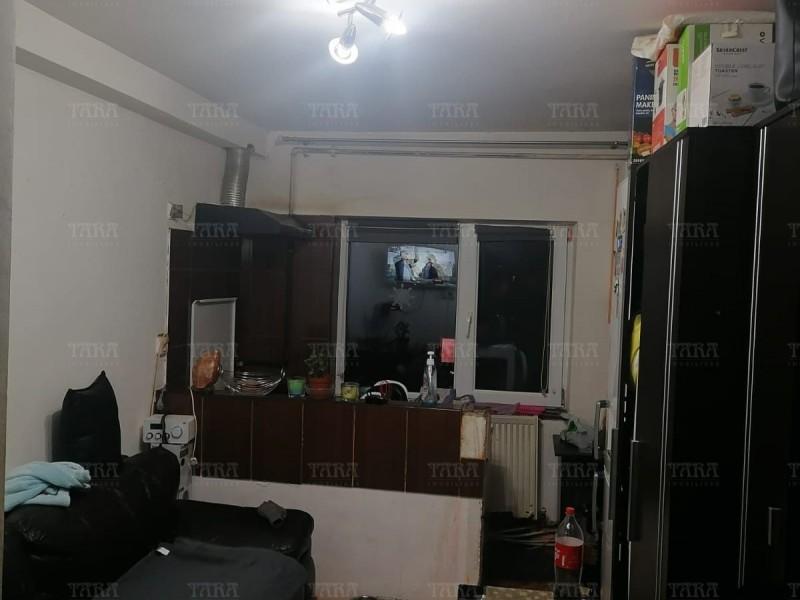 Garsoniera 17mp, Apahida