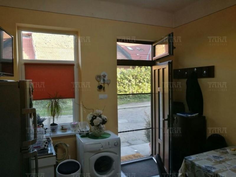 Casa Cu 1 Camera Semicentral ID V359721 3