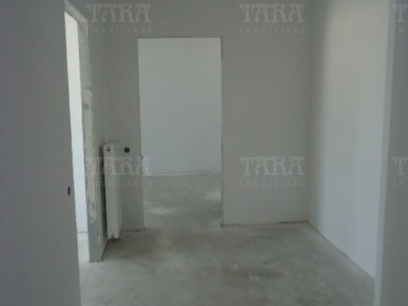 Apartament Cu 4 Camere Semicentral ID V7964 6