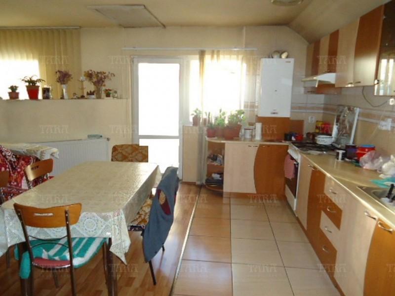Casa cu 3 camere, Manastur