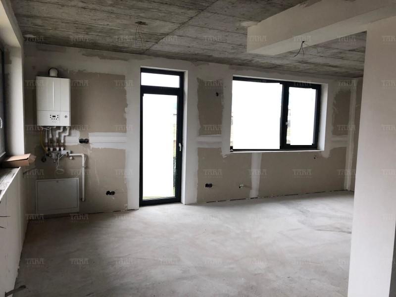 Apartament Cu 4 Camere Floresti ID V656117 3