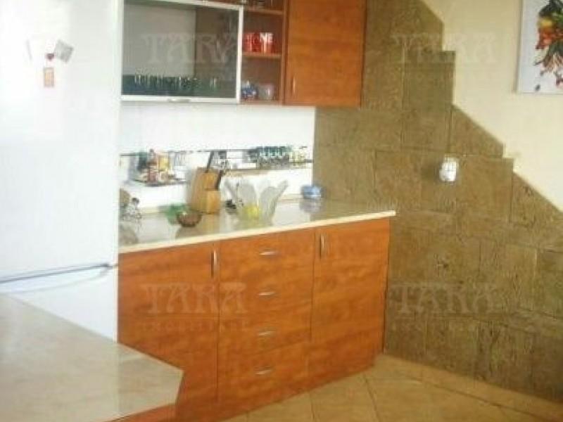 Casa Cu 6 Camere Dambul Rotund ID V323080 6