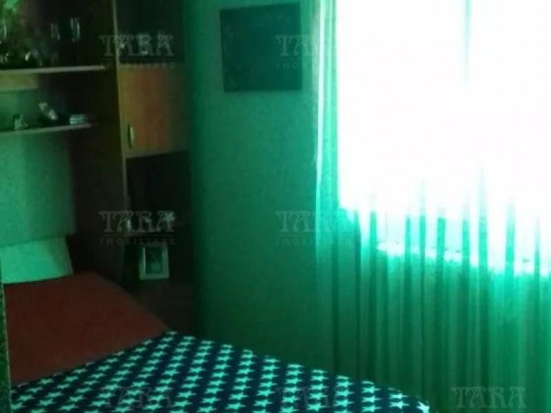 Apartament Cu 3 Camere Semicentral ID V708817 3