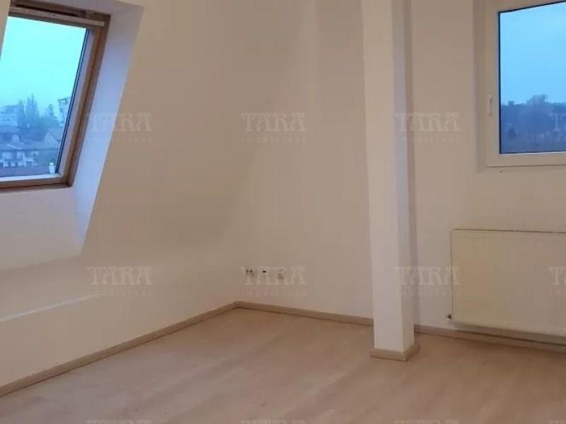 Apartament Cu 4 Camere Andrei Muresanu ID V1169253 3