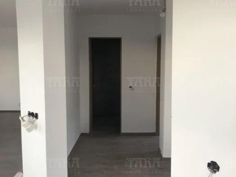 Casa Cu 5 Camere Dambul Rotund ID V1057061 4