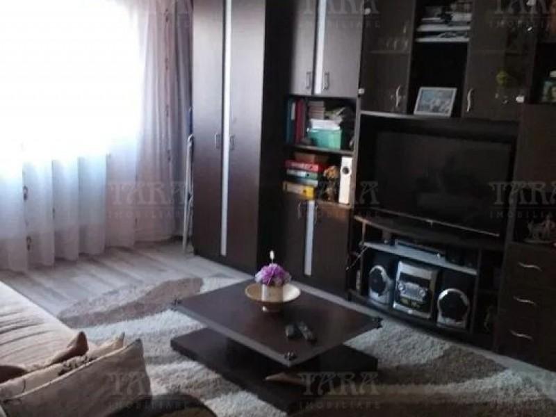 Apartament Cu 3 Camere Semicentral ID V970096 3
