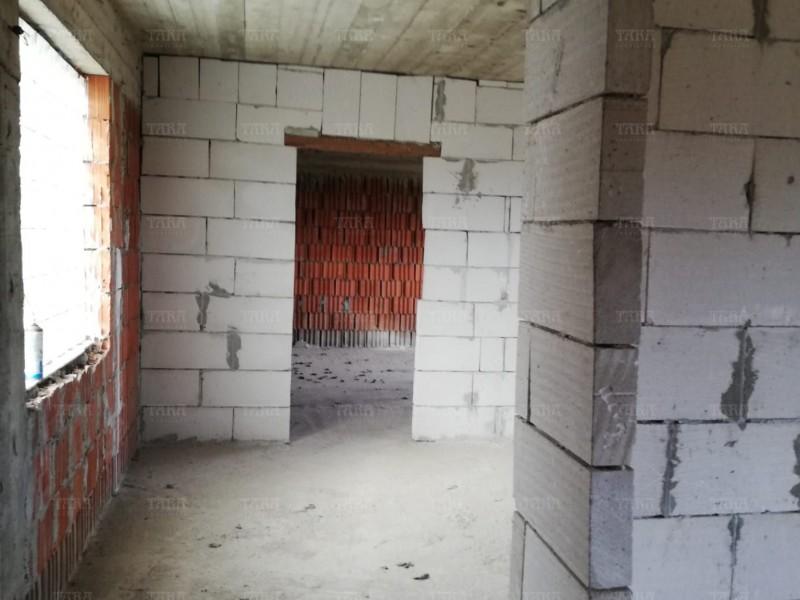 Casa 4 camere, Floresti