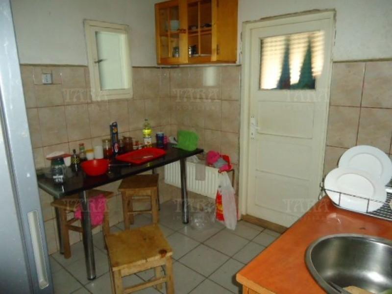 Apartament cu 5 camere, Semicentral