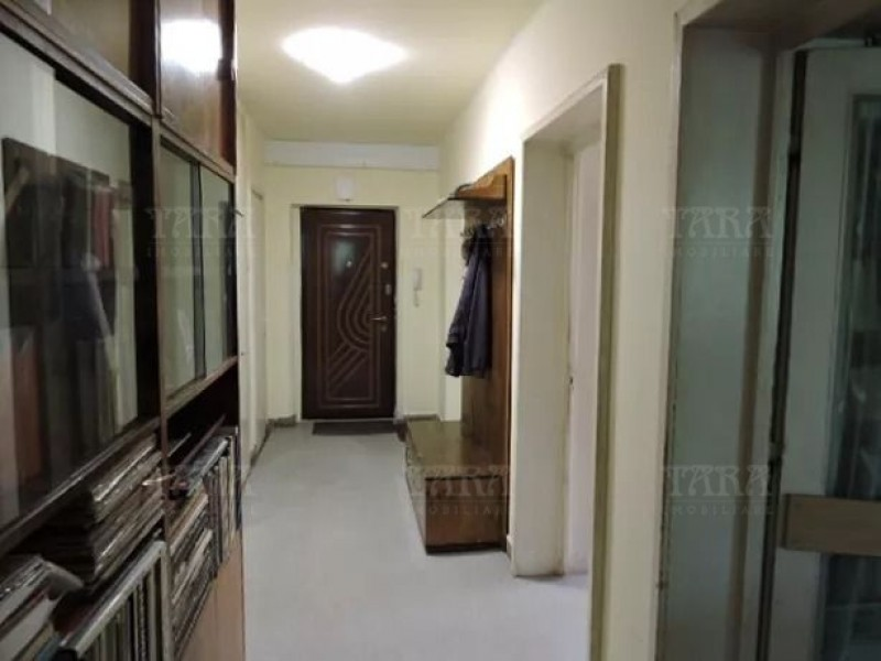 Apartament Cu 3 Camere Semicentral ID V626575 6