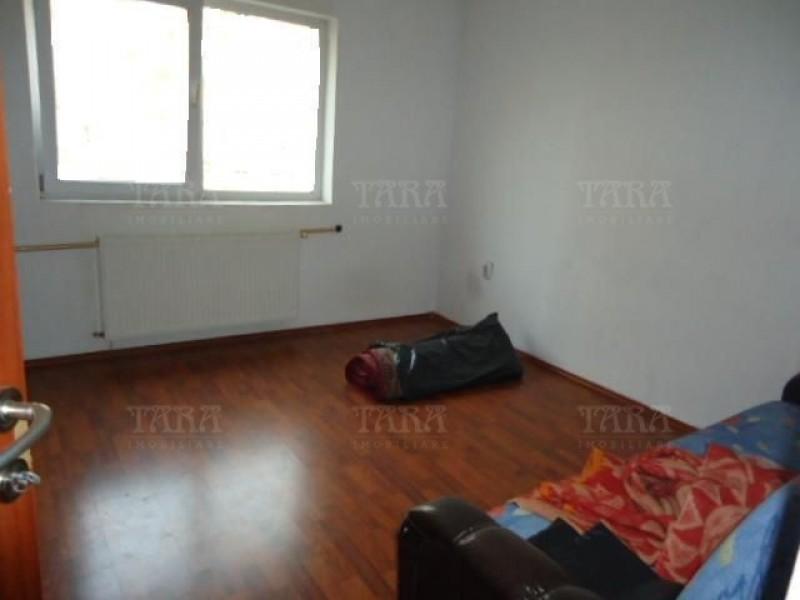 Apartament Cu 3 Camere Floresti ID V495320 3