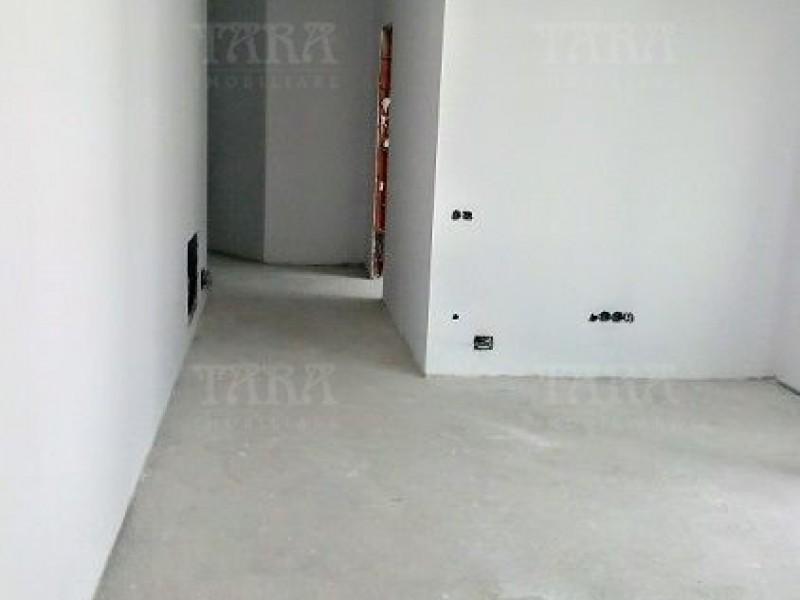 Apartament Cu 4 Camere Dambul Rotund ID V702344 8
